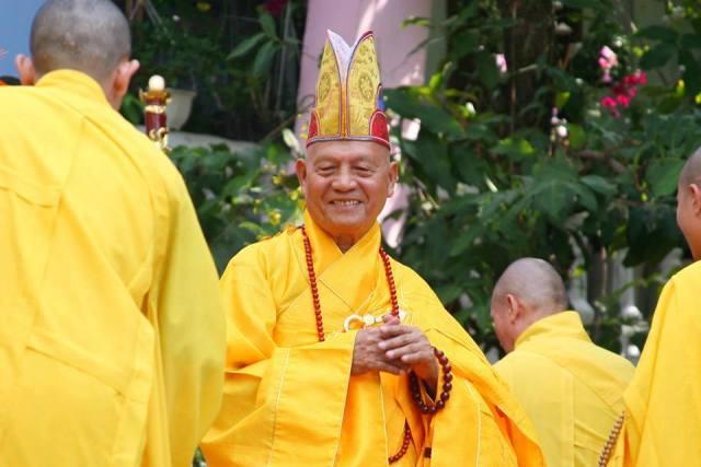 Thư chúc tết của Hòa Thượng Thượng Thủ – Hội Đồng Tăng Già Chứng Minh