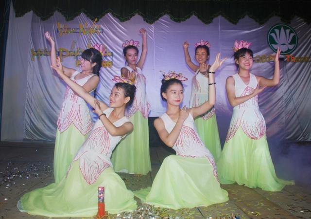 GĐPT Thanh Lợi: Văn nghệ cúng dường đại lễ Phật đản